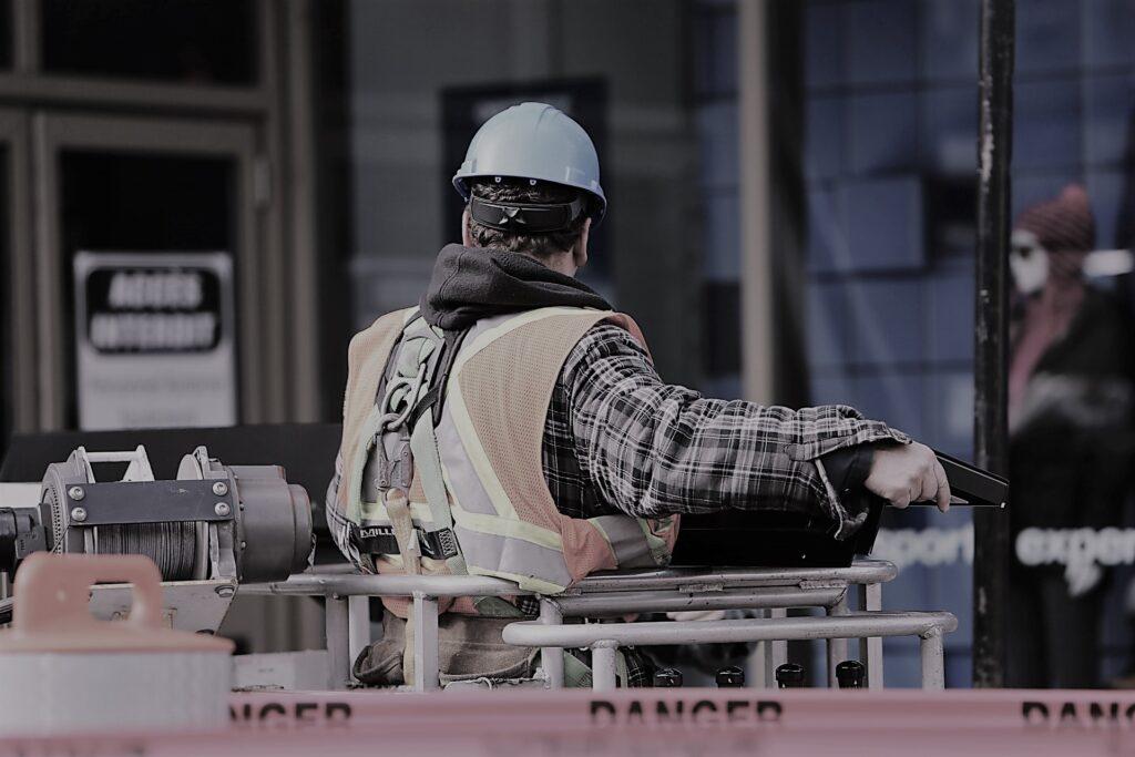 Trabajo en mantenimiento de edificios Graugo